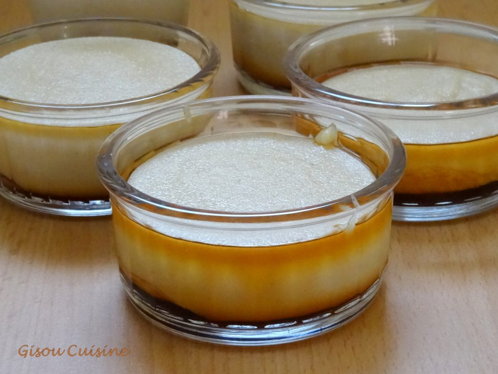 Petits gateaux de semoule vanille et caramel