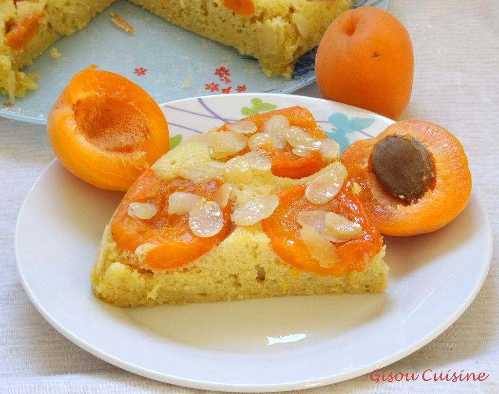Gateau moelleux renversé abricots amande